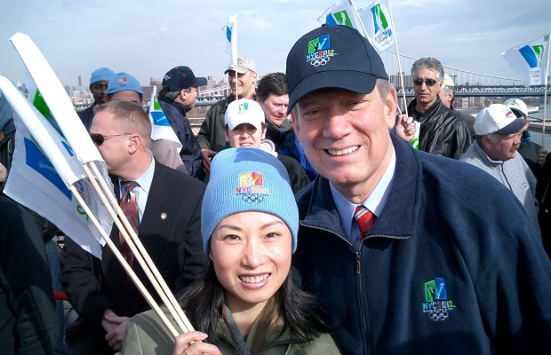 2004 NYC2012 event – Tiffany with Governer Pataki